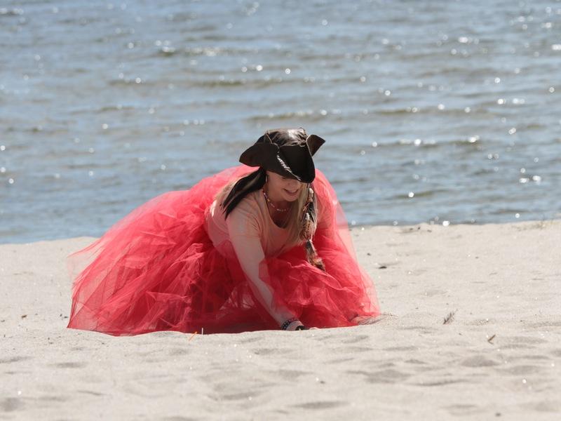 Piratsessan letar skatten i sanden