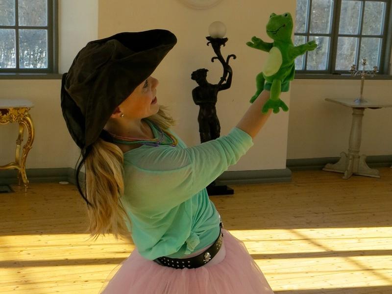 Dansa och hoppa som en groda